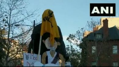 Photo of Gandhi's statue in America tampered with in opposition to agricultural laws, covered with Khalistani flag