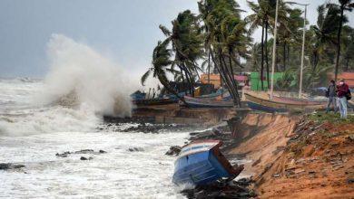 Photo of गुजरात की ओर बढ़ रहा Cyclone Tauktae, सुरक्षित स्थानों पर पहुंचाए गए एक लाख लोग