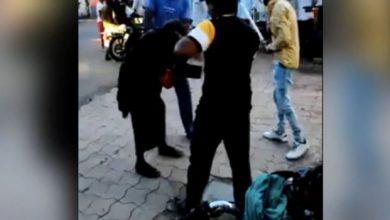 Photo of बुजुर्ग को बेरहमी से पीटने, बाल काटने का Video हुआ वायरल, केस दर्ज