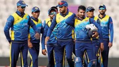 Photo of IND vs SL: PPE किट पहनकर खिलाड़ियों को मैच प्रैक्टिस करवा रहे श्रीलंकाई कोच, देखें- VIDEO